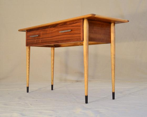 Genial 559_MM092_Lane_Acclaim_Collection_Console_Table_J_Looking_Up_from_Lower_Right